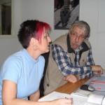 leerling heeft nederlandse les van docent